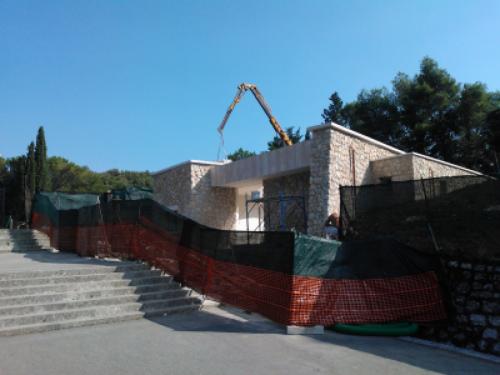 MEMORIAL 4SIERPIEŃ 2013. BUDOWA CENTRUM INFORMACYJNEGO NA MONTE CASSINO DOBIEGA KOŃCA..png